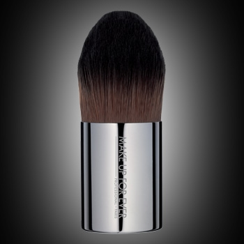 Foundation Kabuki - Medium